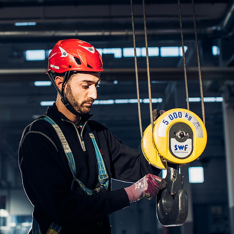 Assistenza e manutenzione impianti di sollevamento industriale